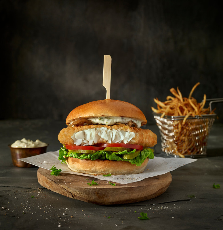 Crispy Fish Fillet Burger Young S Foodservice